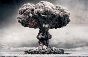 Nuclear_explosion-261180